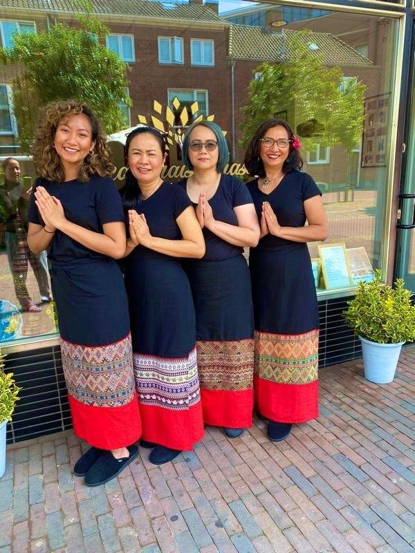Ons team buiten bij de salon in Zutphen